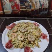 Tagliatelle Scampis Pesto